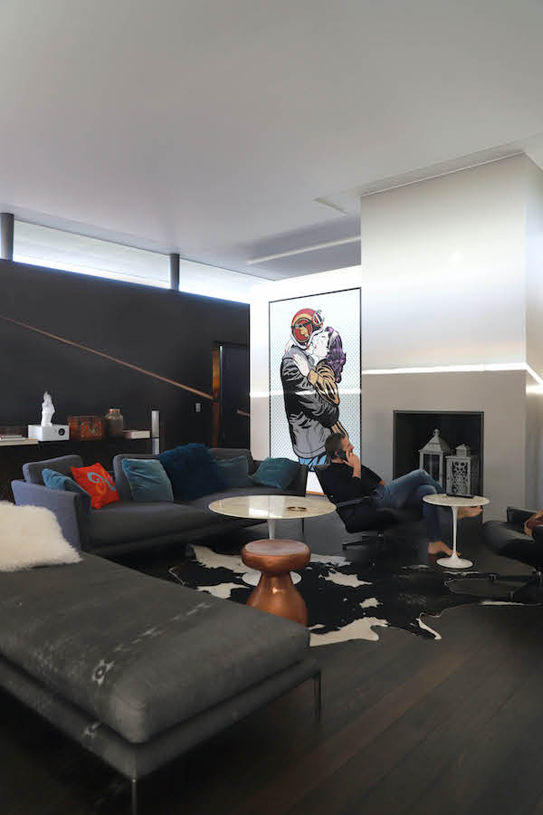 Descor Premium Acoustic pour ce plafond avec éclairage périphérique